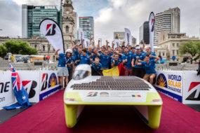 Zespoł Punch Powertrain Solar Team, sponsorowany przez markę Cromax, kończy Bridgestone World Solar Challenge 2017 na 3 miejscu