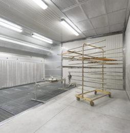 Rozkład strumieni powietrza w przestrzeni roboczej kabiny lakierniczej
