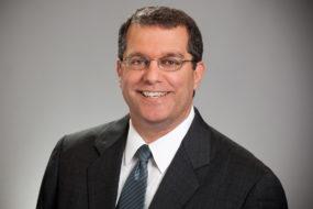 Terrence Hahn – nowy CEO w firmie Axalta