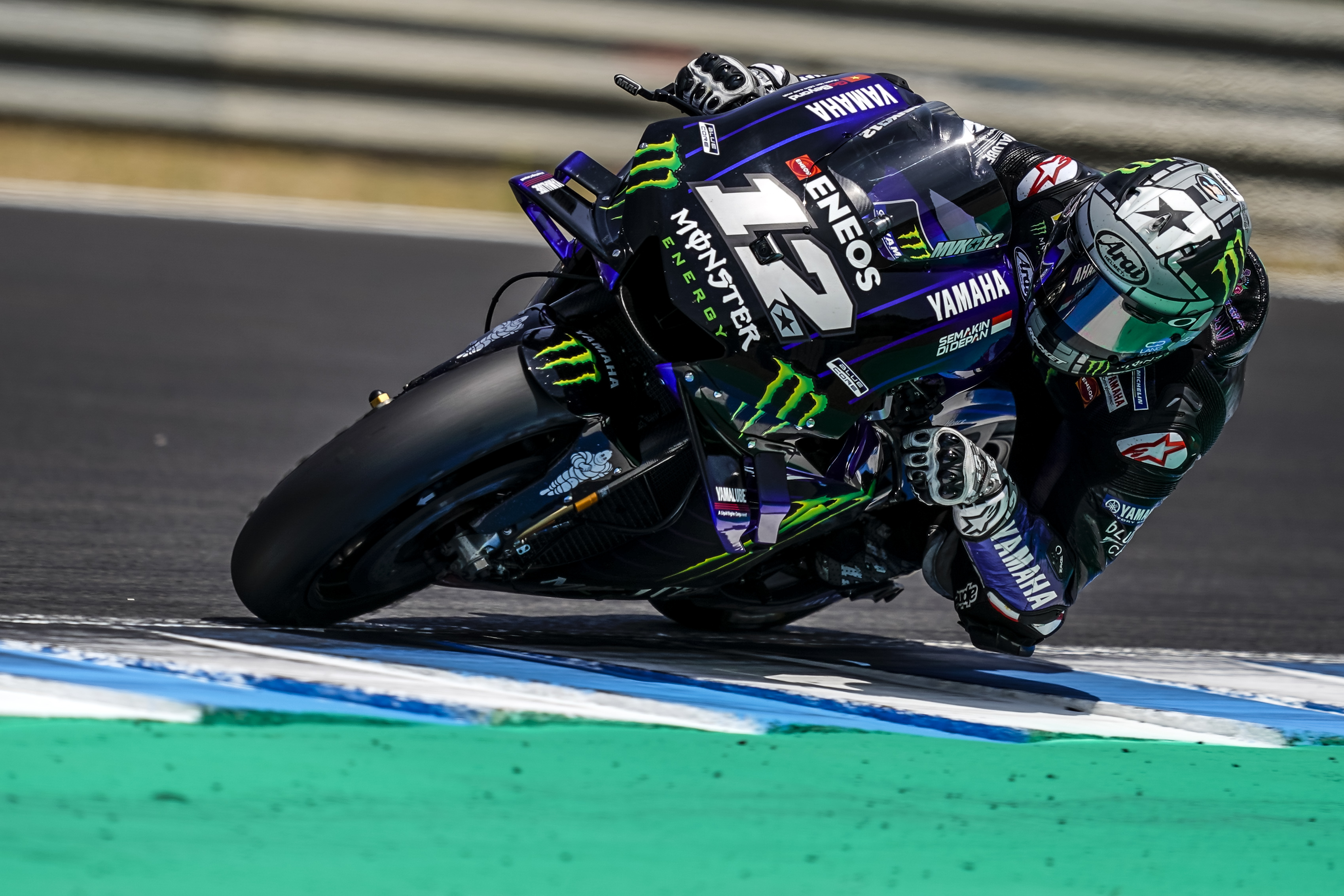 axalta-cromax-and-monster-energy-yamaha-motogp-team-2019-maverick-viales