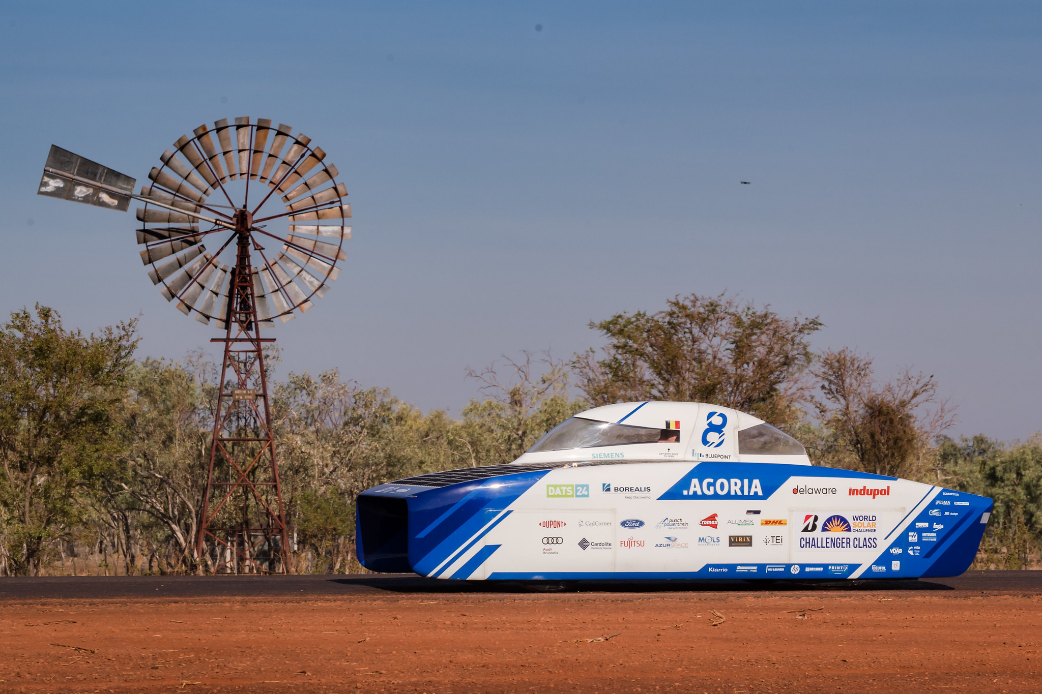cx-agoria-solar-team-bluepoint-wins-world-solar-challenge_1