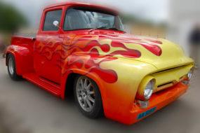 Ford w płomieniach